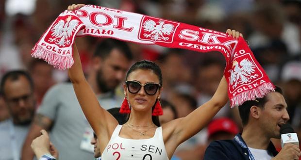 Удар ниже пояса: ФИФА воимя толерантности запретила демонстрировать красивых болельщиц